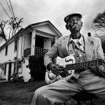 Blues, cajun e pizzicate di zanzare: dal delta del Missisipi a via Figino il passo è breve