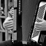 Pino Daniele, musica folk, ghiottonerie, sorrisi e pensieri: questo è molto altro questo week end al circolo Arci Nova!